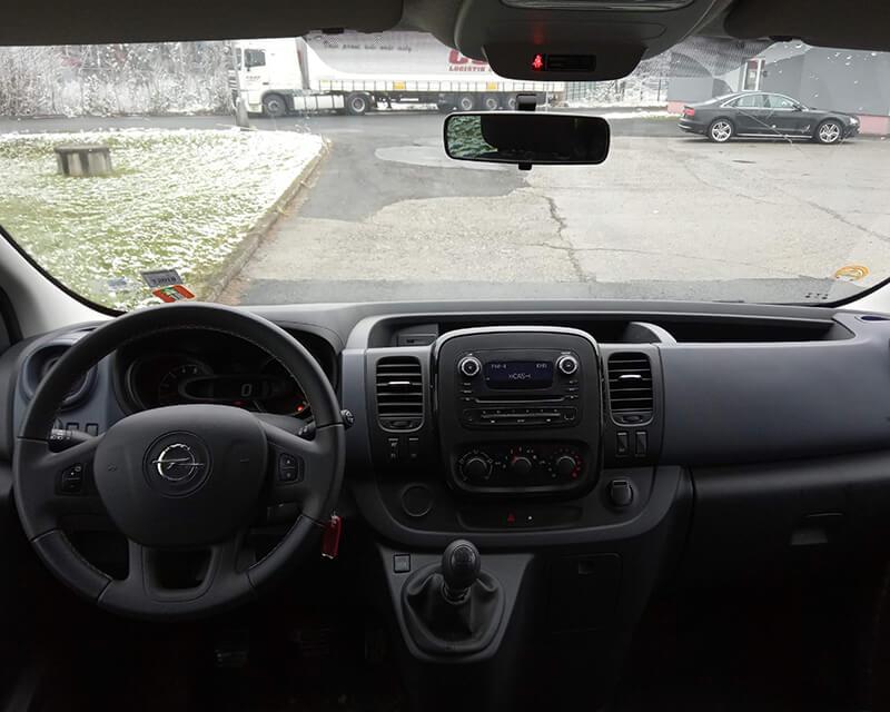 Opel Vivaro Interiér